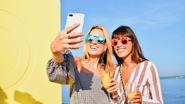 Mattek-Sands takes flight wearing Snapchat Spectacles