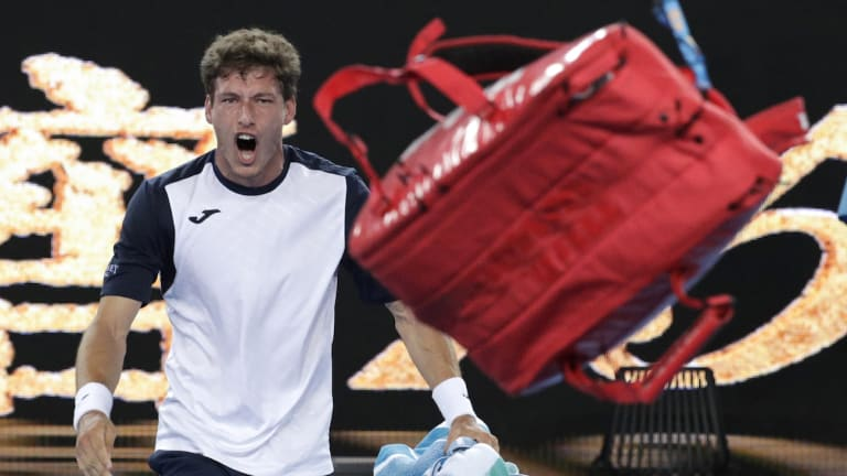 WATCH: Carreno Busta apologizes for  losing his mind