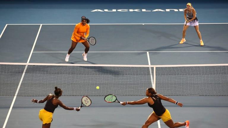 Townsend, Muhammad derail Serena, Wozniacki in Auckland doubles final