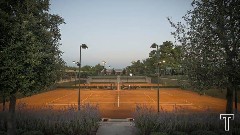 The TATΟΪ Club, in Athens, Greece
