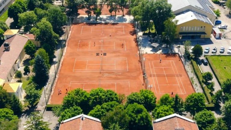 (Sesil Karatantcheva Tennis Academy)