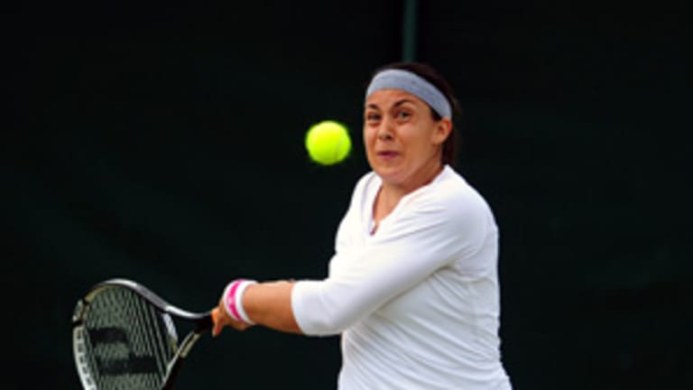 Breaking the Mold: The risks and rewards of the two-handed forehand