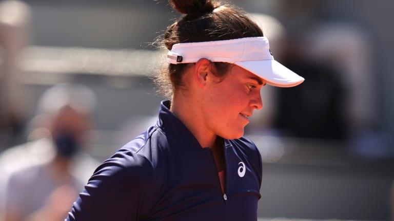 Jennifer Brady during her opening match in Paris
