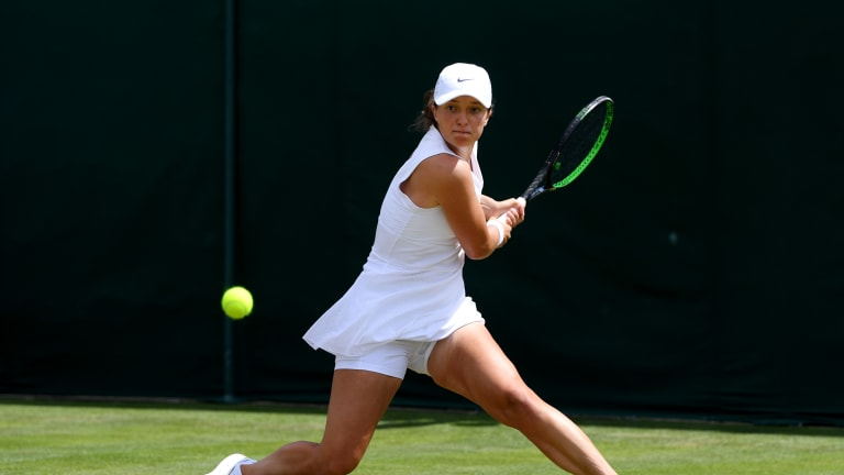 Iga Swiatek has never won a main-draw match at Wimbledon. She'll get another chance when she faces the crafty Hsieh-Su Wei.