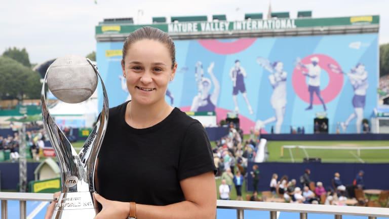 Top 5 Photos, June 24: Barty receives WTA No. 1 trophy; Murray Monday
