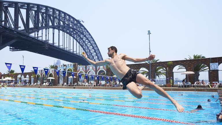 Top 5 Photos: Rafa & Grigor dive in; Novak's furry mate