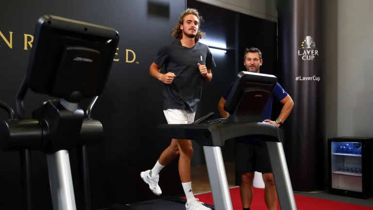 Top 5 Photos, September 19: Federer welcomes Laver; Doi wins at home