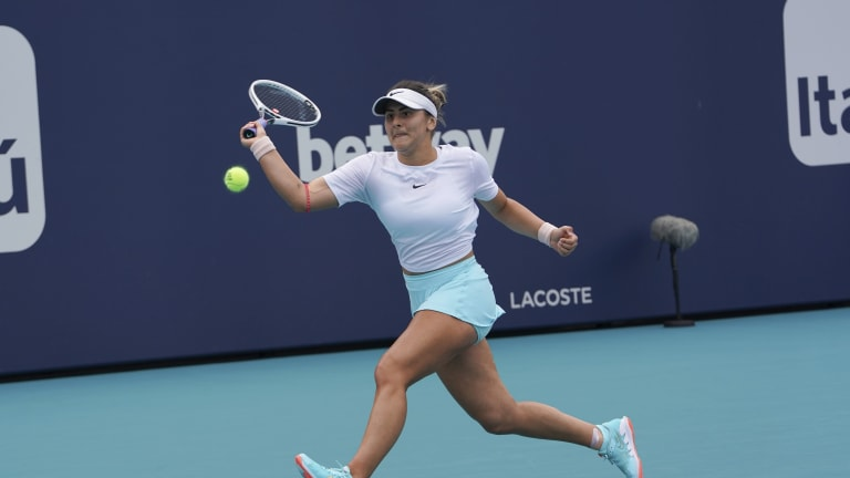 Few players utilize the slice forehand as effectively as Andreescu.